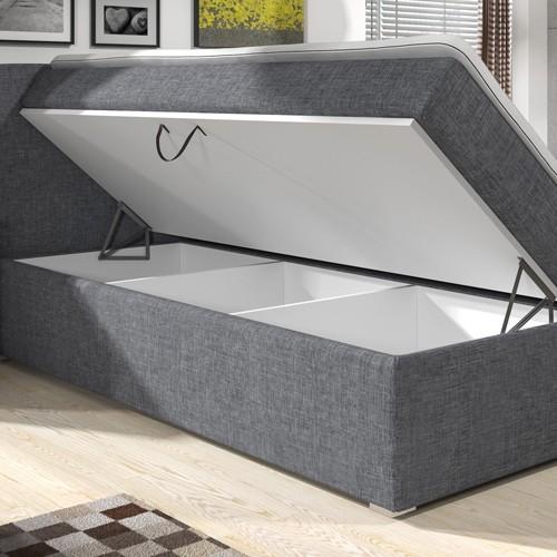 Az ágy mindkét oldala felnyitható